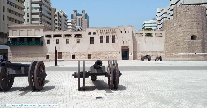 sharjah fort al hisn